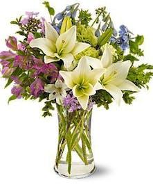 Summer breeze bouquet of beauty