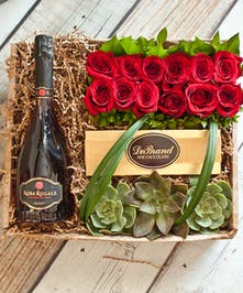 12 Roses & Rosa Regale Champagne Gift Box