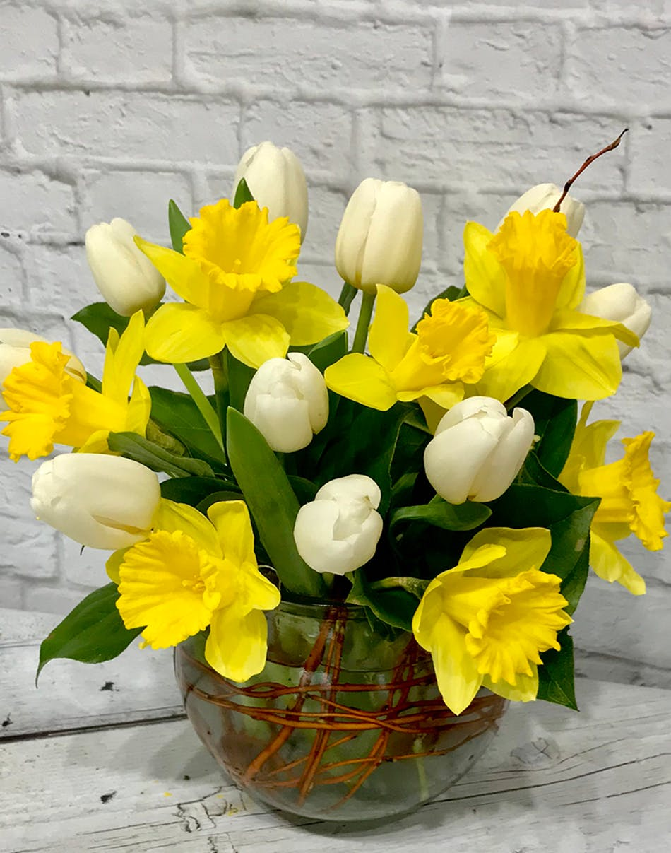 Tulips and daffodiles spring flowers columbus ohio florists newark izmirmasajfo
