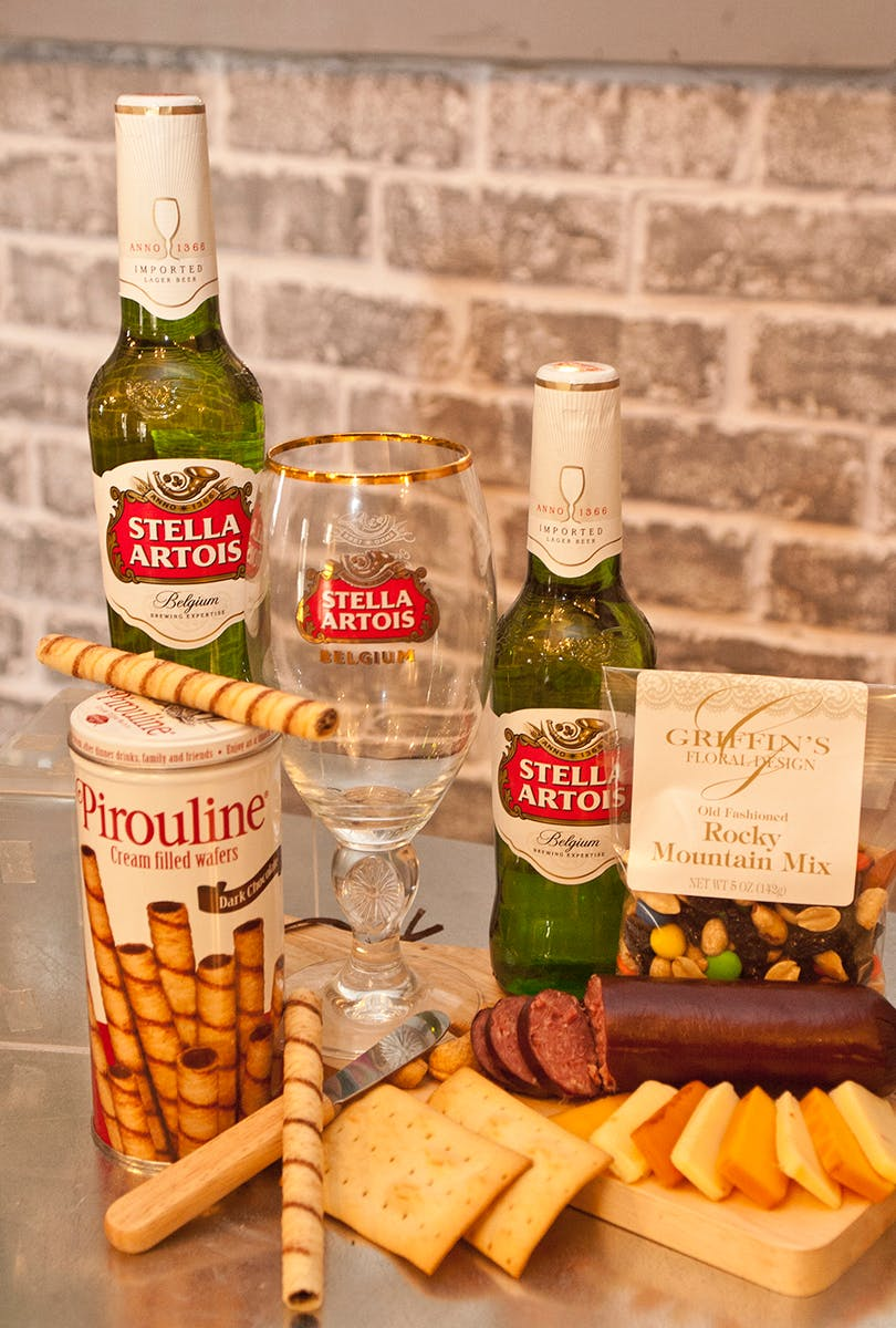 NOTE Shipping price is based on local Central Ohio delivery. All other shipping rates outside of this area will be determined by UPS rates and based on ... & Stella Artois Premium Gourmet Gift Set