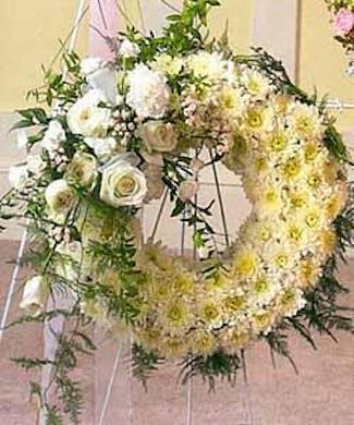 Pure White Beauty Sympathy Wreath