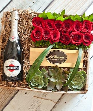 12 Roses & Martini Rossi Champagne Gift Box